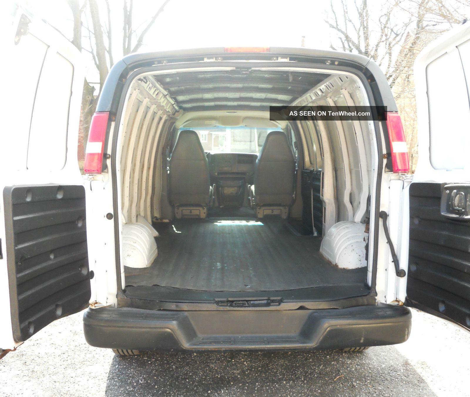 2003 Dodge Ram Van 3500 Interior: 2003 Chevrolet Express 3500 Base Extended Cargo Van 3