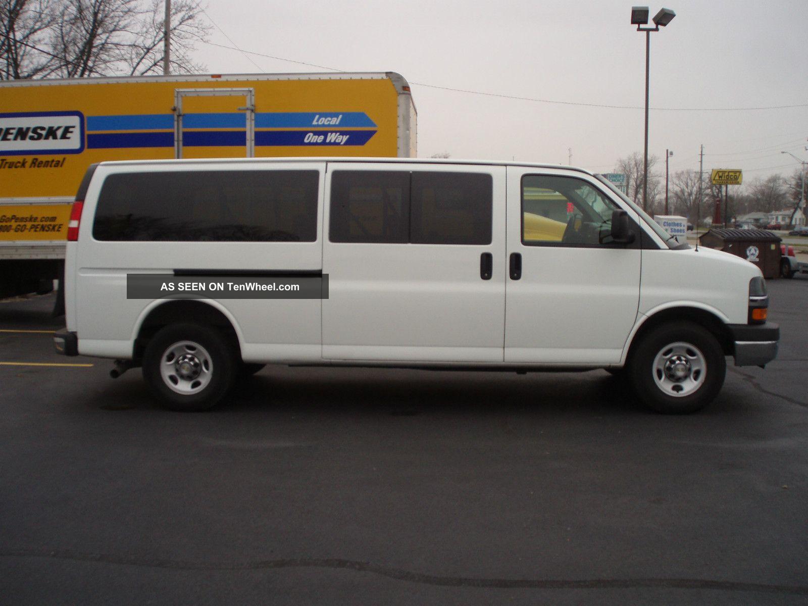 2011 Chevrolet Express 3500 Lt Extended 12 Passenger Van 3