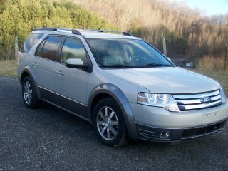 2008 Ford Taurus X Sel Wagon 4 - Door 3.  5l photo