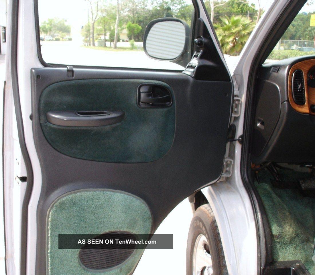 2003 Dodge Ram Van 3500 Interior: 2003 Dodge Ram 1500 Handicap / Wheelchair / High Top Van
