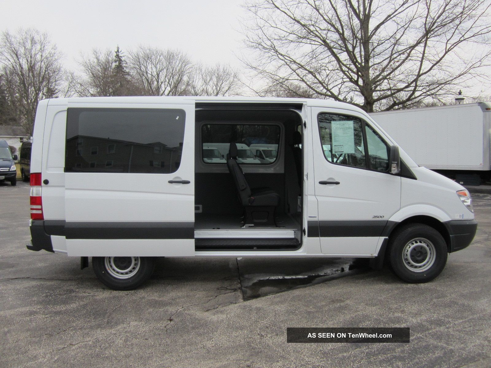 2013 mercedes benz sprinter crew van 5 pass 144 wb