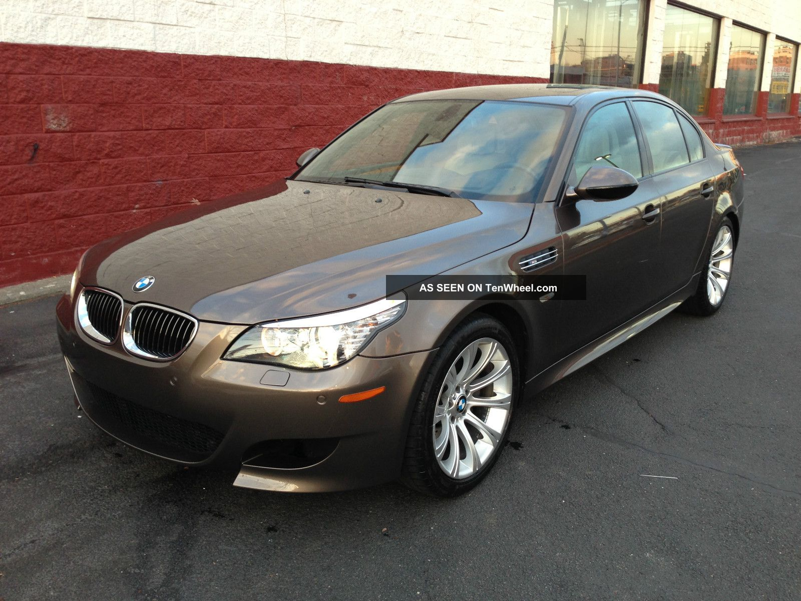 2009 bmw m5 loaded sedan 4 door 5 0l must go. Black Bedroom Furniture Sets. Home Design Ideas