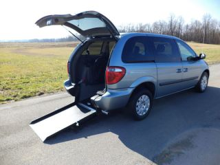 Van Wheelchair Handicap Ramp Chrysler Town Country 2006 Rear Entry photo