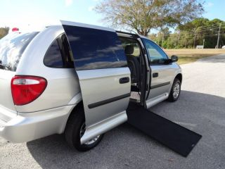 Van Wheelchair Handicap Dodge Grand Caravan 2007 Manuel Vmi Ramp photo