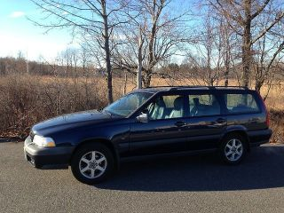 1999 Volvo V70 X / C Awd Wagon 4 - Door 2.  4l photo