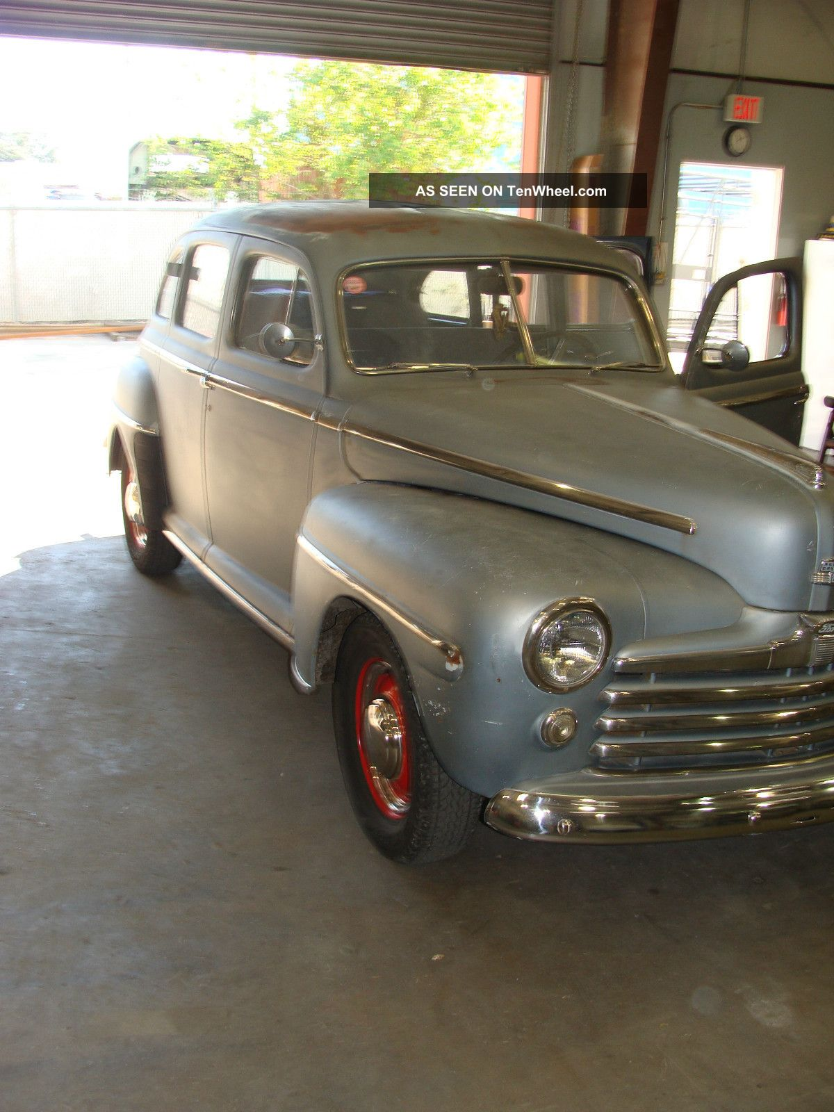 1947 ford deluxe 4 door sedan for 1947 plymouth 4 door sedan
