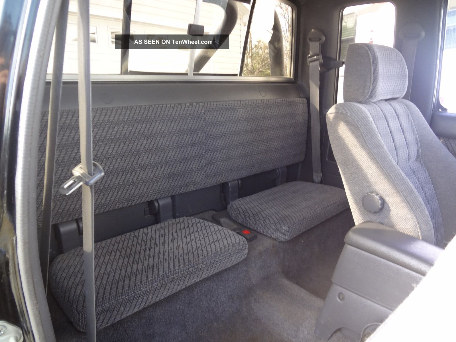 toyota truck ext cab     speed  black loaded