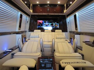 2013 Executive Limousine With Maybach 57 Styling Mercedes - Benz Sprinter Limo 62 photo