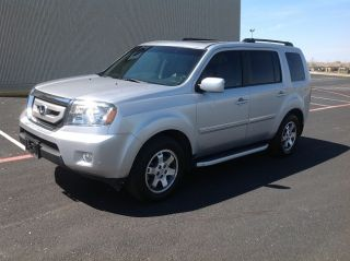 2011 Honda Pilot 2wd Touring Loaded photo