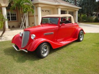 1934 Ford Cabriolet photo