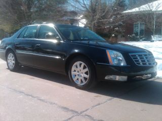 2010 Cadillac Dts (w / 1st) Sedan 4 - Door 4.  6l V8 photo