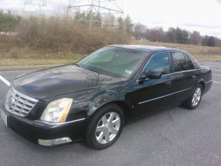 2007 Cadillac Dts L Sedan 4 - Door 4.  6l photo
