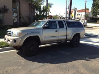 2007 Toyota Tacoma Base Extended Cab Pickup 4 - Door 2.  7l 4x4 photo