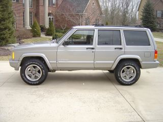 2000 Jeep Cherokee Classic Sport Utility 4 - Door 4.  0l photo
