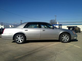 2006 Cadillac Dts 4.  6l photo