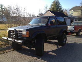 1990 Ford Bronco Ii Xl Sport Sport Utility 2 - Door 2.  9l photo