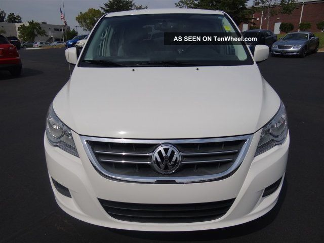 2010 Volkswagen Routan Se White Very Dual Dvd Sto & Go Seats Routan photo