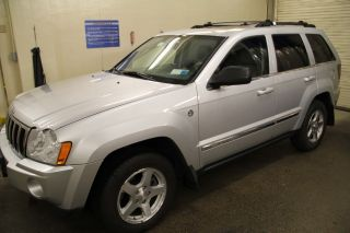 2005 Jeep Grand Cherokee Limited Sport Utility 4 - Door 4.  7l - photo