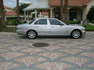 2004 Jaguar Xj8 Vanden Plas Base Sedan 4 - Door 4.  2l photo