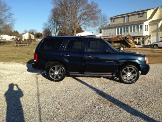 2005 Cadillac Escalade Base Sport Utility 4 - Door 6.  0l Midnight Blue photo
