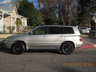 Excellent 2002 Toyota Highlander Silver photo
