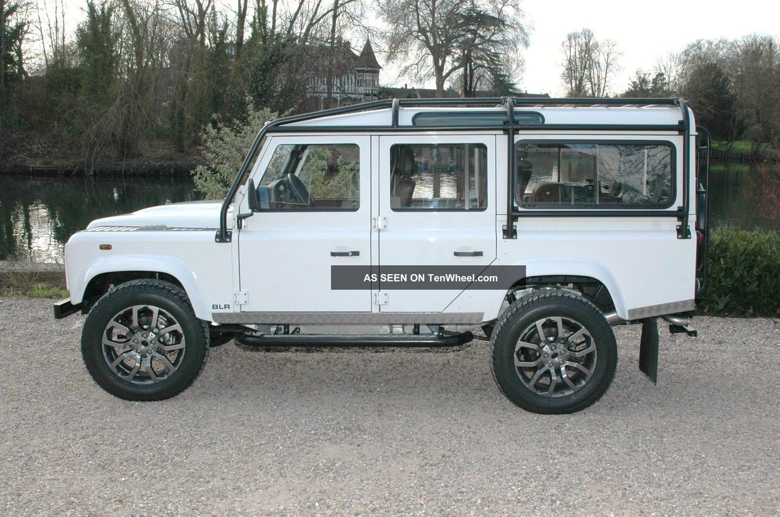 1985 Land Rover Defender 110 Station Wagon Nas Spec Defender photo