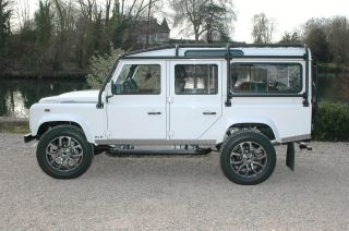 1985 Land Rover Defender 110 Station Wagon Nas Spec photo