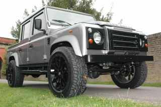 1985 Restoration Land Rover Defender Lhd Custom 110 Double Cab Auto Grey photo