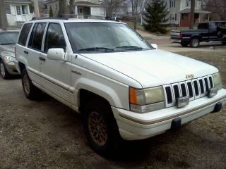 1993 Jeep Grand Cherokee photo