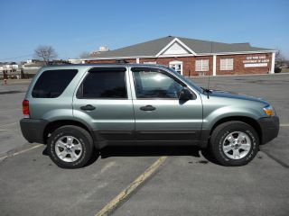 2007 Ford Escape Xlt - 4 Wheel Drive,  V6 Engine photo