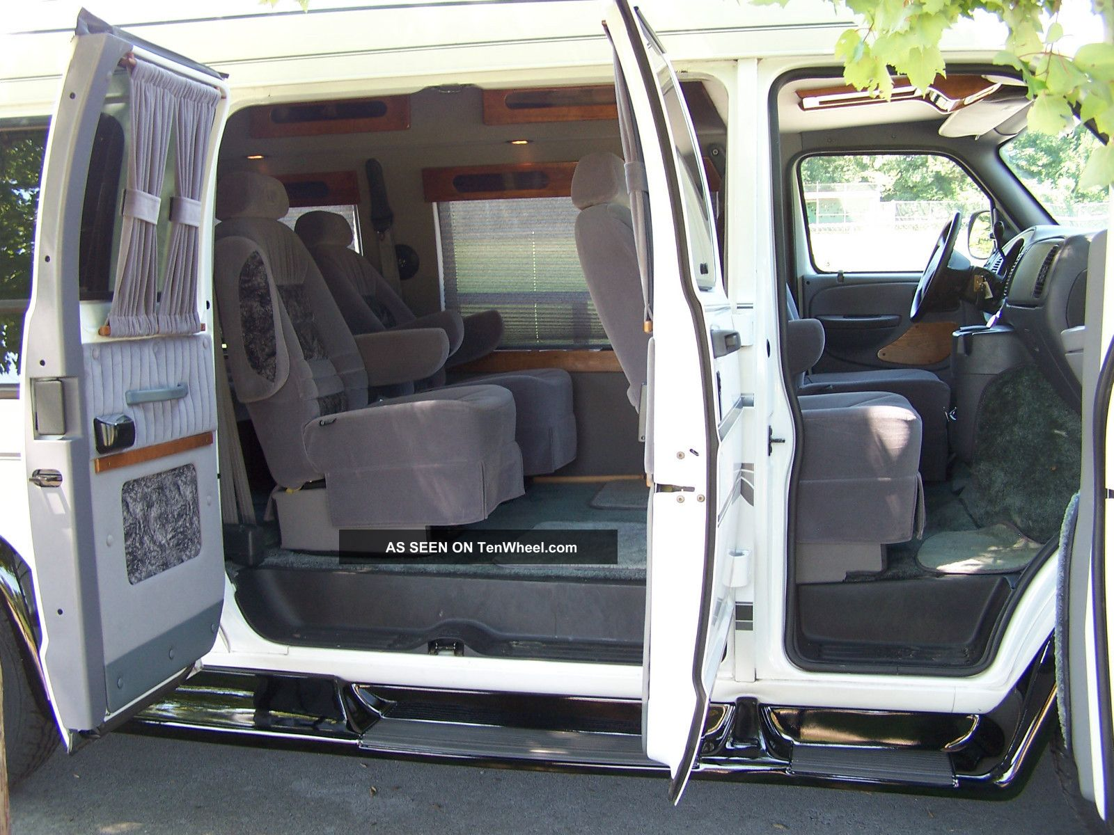 2000 Dodge Ram 1500 Conversion Van Photo 10