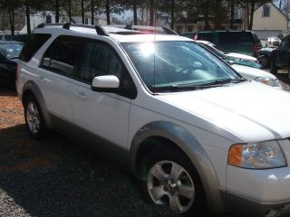 2007 Ford Freestyle Sel Wagon 4 - Door 3.  0l photo