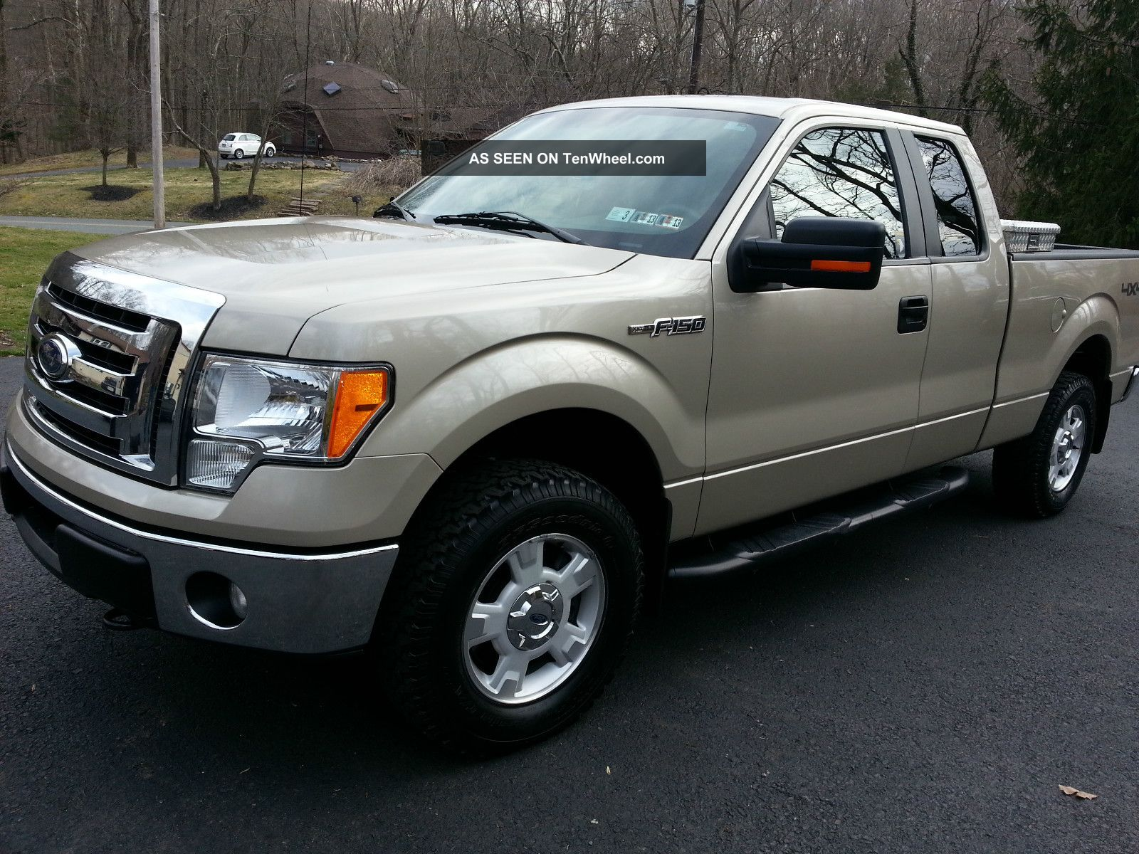 2010 Ford F - 150 Xlt Extended Cab Pickup 4 - Door 5.  4l F-150 photo