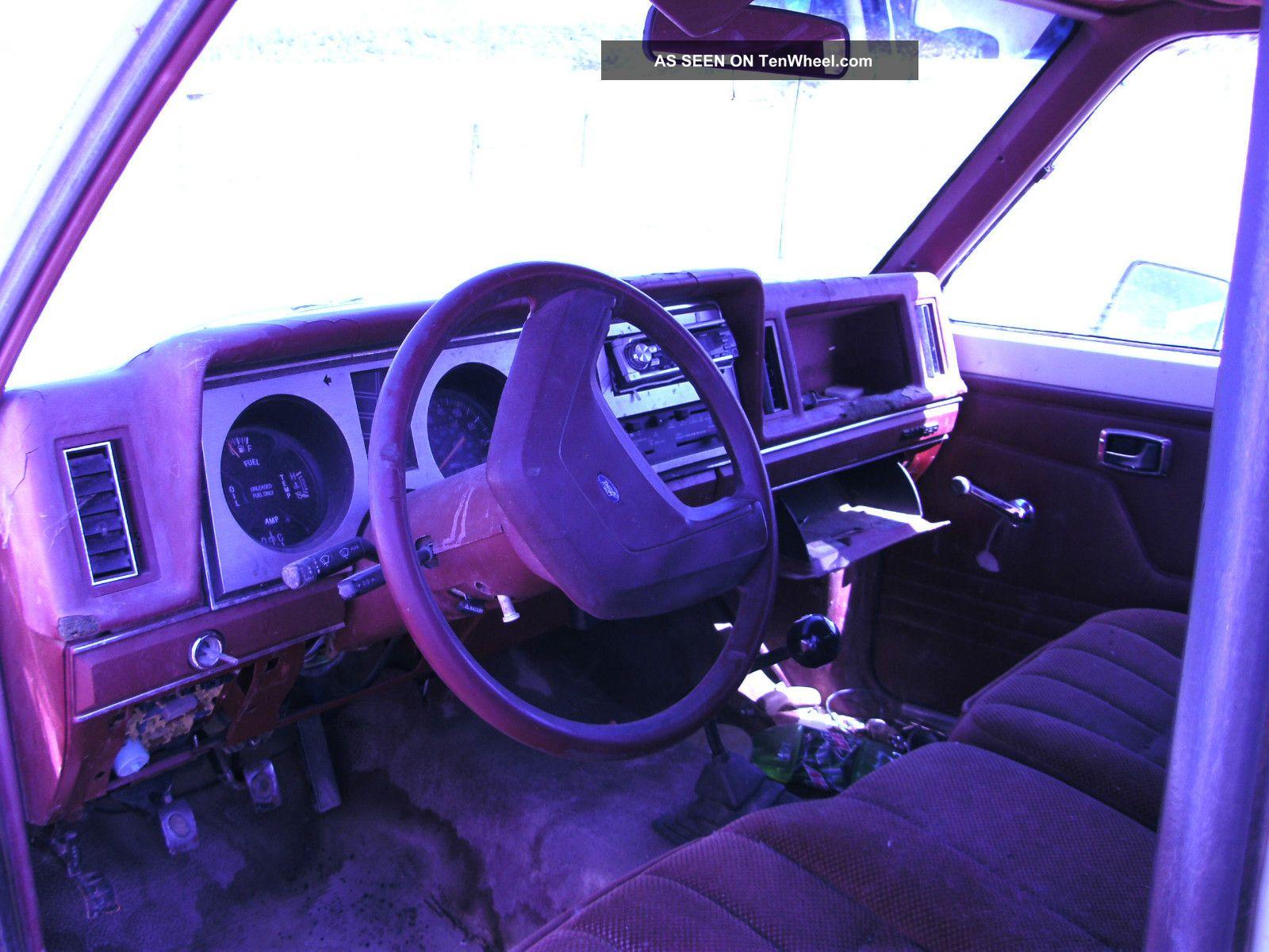 Small Ford Pickup - 1986 Ranger photo