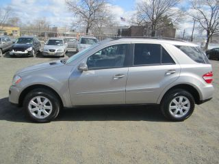 2006 Mercedes - Benz Ml350 Base Sport Utility 4 - Door 3.  5l photo