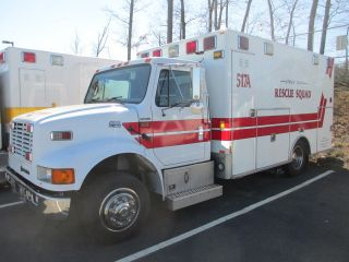 2001 I - H 4700lp Medic Ambulance - Diesel Inoperative.  Govt.  Surplus - Va. photo