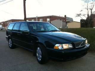 1999 Volvo V70 Base Wagon 4 - Door 2.  4l Strong And photo