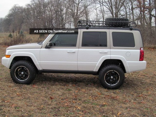 2006 Jeep Commander Custom Lifted