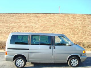 2000 Volkswagen Eurovan Gls 3rd Seat 7 Passenger Van photo