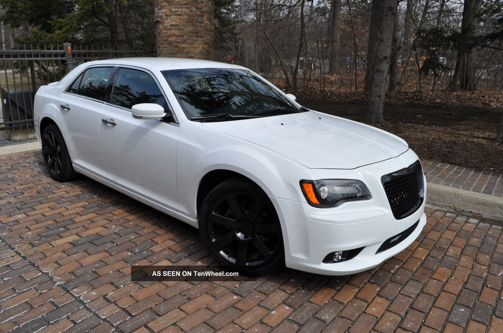2012 chrysler 300 limited sport navi 20 39 s spoiler heatd. Black Bedroom Furniture Sets. Home Design Ideas