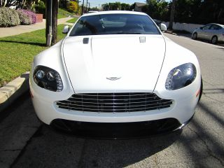 Aston Martin Vantage Sport V8 Fully Loaded 2012 photo