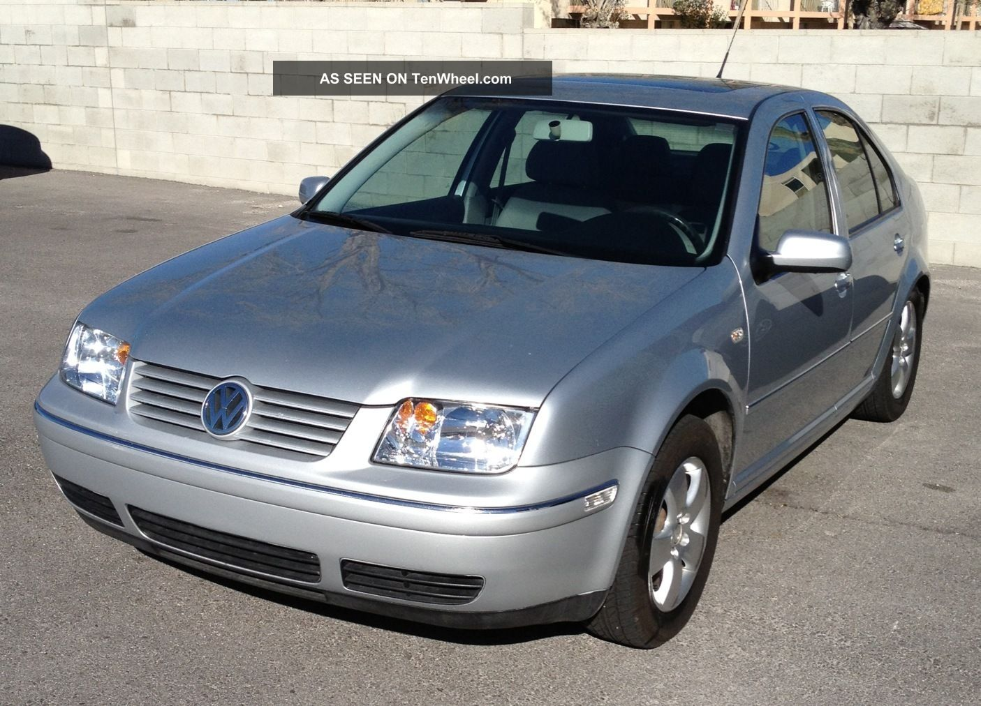 2004 volkswagen jetta sedan 2 0 automatic related. Black Bedroom Furniture Sets. Home Design Ideas