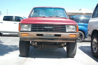 1987 Toyota Pickup 4x4 Hilux,  Tacoma 22r Base Model Work Mate Off Road Aficionado photo