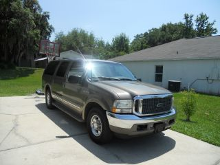2002 Ford Excursion 7.  3l Limited photo