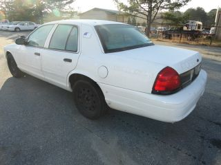 2003 White Ford Crown Victoria 4 Door Sedan photo