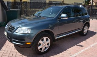 2004 Volkswagen Touareg Tdi Sport Utility 4 - Door 4.  9l Powerhouse Beauty photo