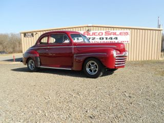 1947 Ford Deluxe Coupe photo