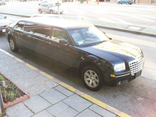 2007 Black 6 Passenger Chrysler 300 Limousine 645 photo