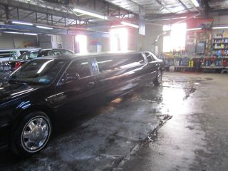 2005 Cadillac Deville Dts Sedan Limo photo
