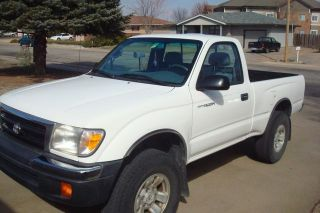 2000 Toyota Tacoma Prerunner Shape White Exterior photo